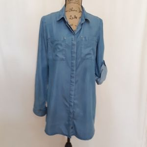 Lulu's chambray LS Tunic Medium. VEC. BOGO